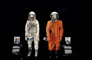 soviet_US_space_suits_gagarin_glenn